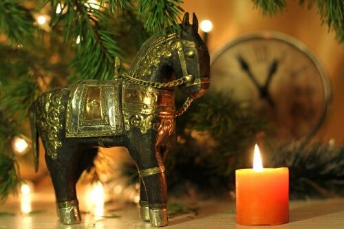 Лошадь - украшение стола