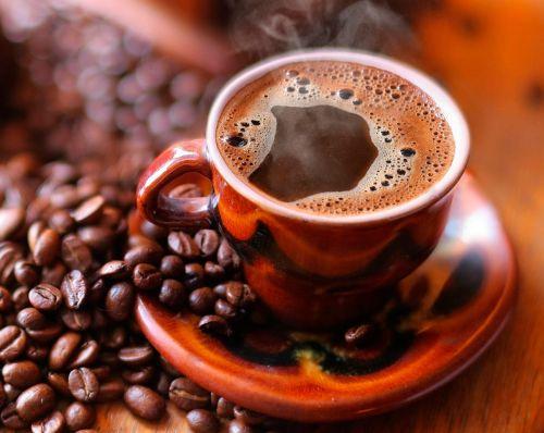 Кофе с пенкой в чашке