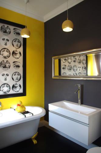дизайн ванной в черном и желтом