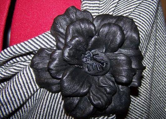 Искусственные цветы из кожи своими руками