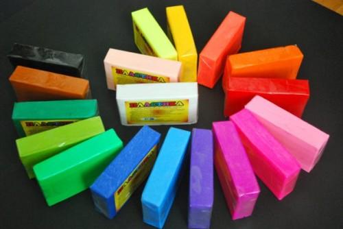 Lepka-iz-polimernoi-gliny-uvlekatelnoe-hobbi-dlia-sovremennoi-zhenshchiny-1