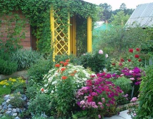 Цветоводство во дворе