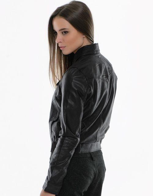 С чем носить кожаную спортивную куртку