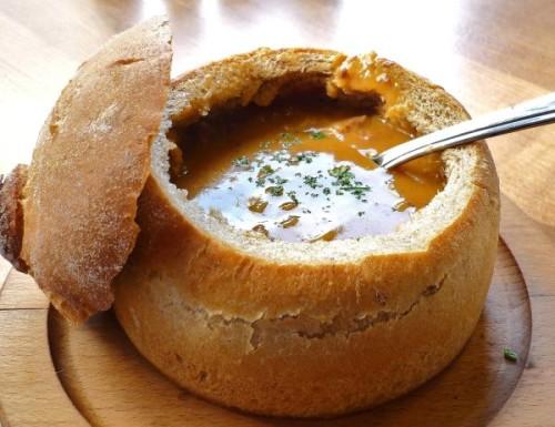 Сытный суп в хлебе