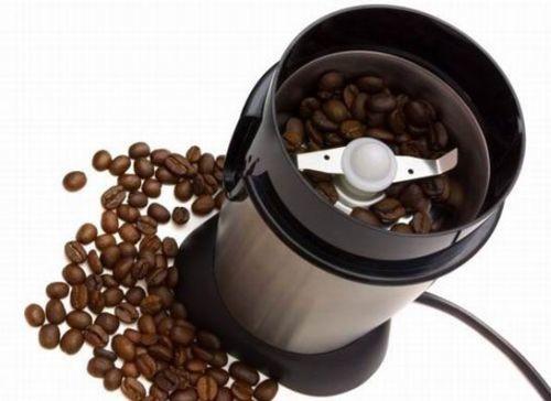 Kak-vybrat-elektricheskuiu-kofemolku-dlia-vkusnogo-i-aromatnogo-kofe-2