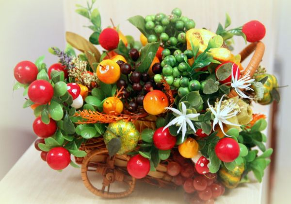 Поделки из искусственных овощей и фруктов фото 21