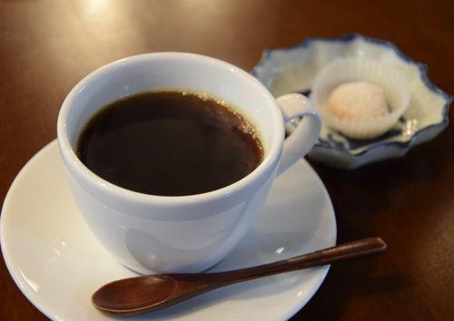 Mozhno-pit-kofe-v-zharu-i-kak-eto-pravil-no-delat-1