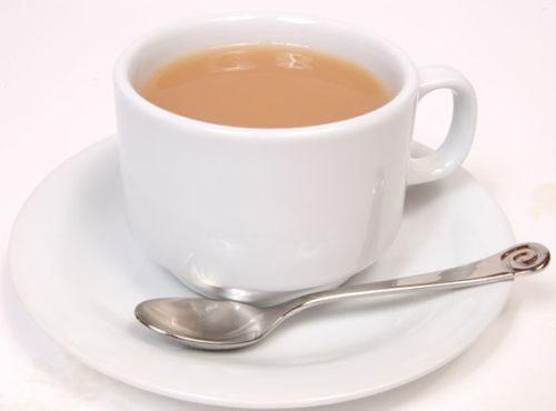 Mozhno-pit-kofe-v-zharu-i-kak-eto-pravil-no-delat-4