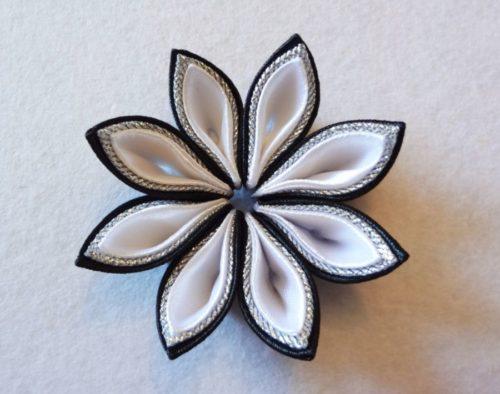 черно-белый цветок канзаши