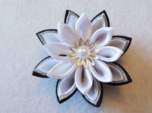 Цветок канзаши для обруча