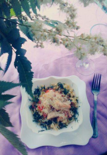 Pasta-s-kurinoi-grudkoi-tomatami-chesnokom-i-syrom-5