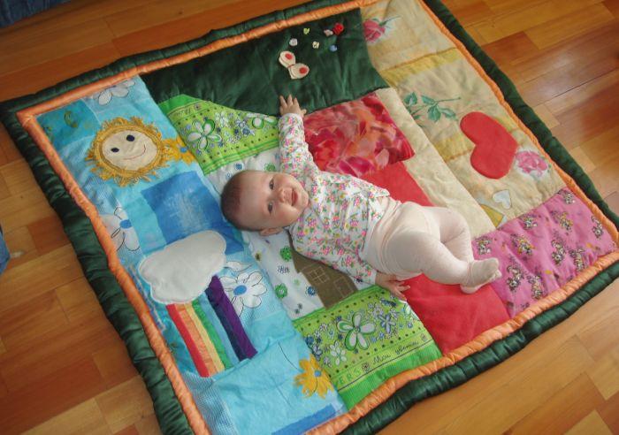 Детский коврик из лоскутков своими руками