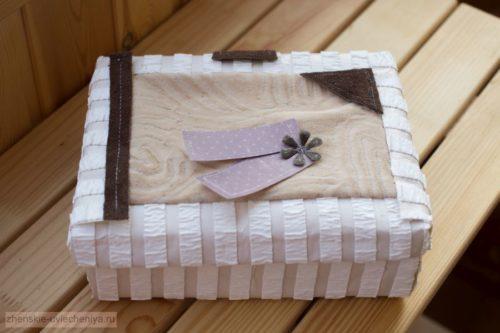 Korobochka-iz-kartona-svoimi-rukami-master-class-dekora-v-tekhnike-skrapbuking-1