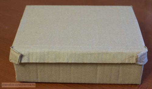 Korobochka-iz-kartona-svoimi-rukami-master-class-dekora-v-tekhnike-skrapbuking-11