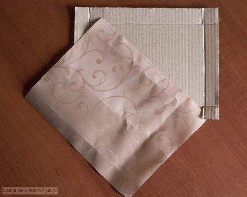 Korobochka-iz-kartona-svoimi-rukami-master-class-dekora-v-tekhnike-skrapbuking-7