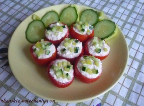 pomidory-farshirovannye-tvorogom-4