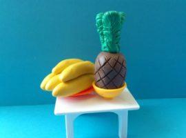 frukty-iz-plastilina-master-class-po-lepke-ananasa-i-bananov-20
