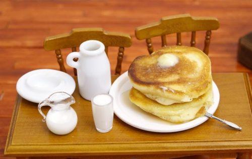 kulinarnaia-miniatiura-lepka-igrushechnoi-edy-iz-raznykh-materialov-2