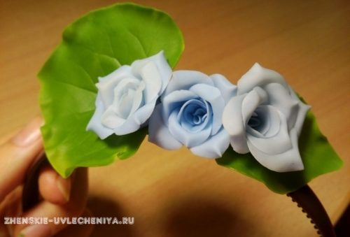 obodok-iz-polimernoi-gliny-s-tcvetami-i-listikami-master-class-po-lepke-31
