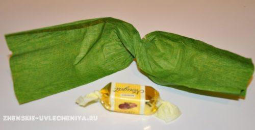 buket-orhideia-iz-konfet-gofrirovannoi-bumagi-master-class-2