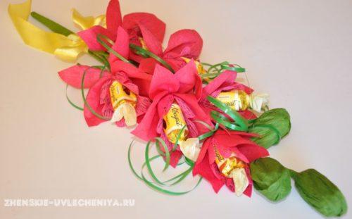 buket-orhideia-iz-konfet-gofrirovannoi-bumagi-master-class-33