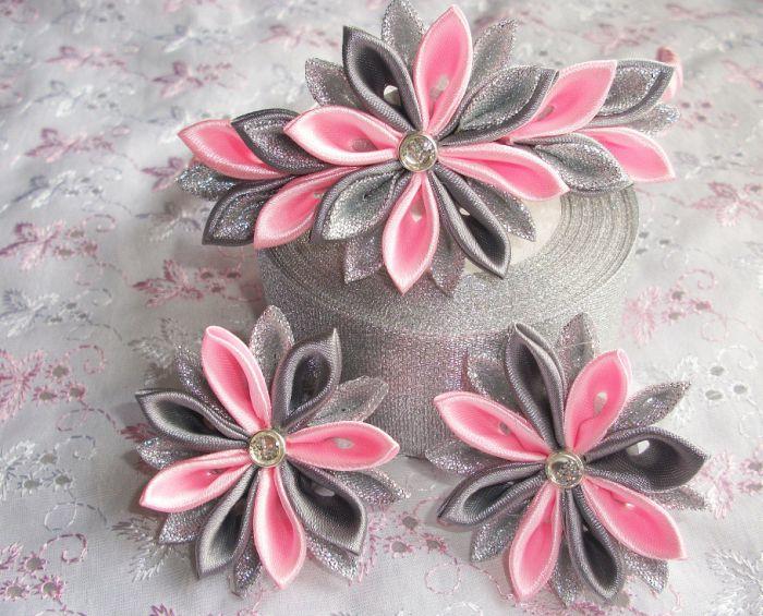 Kazanshi-tekhnika-dlia-novichkov-8 Канзаши бантики и цветы из атласных лент своими руками 100 разных идей для вдохновения. Лепестки канзаши из лент 5 мастер классов.