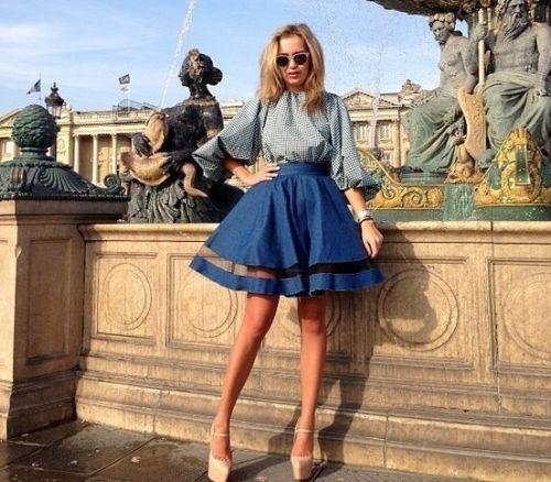 Короткие юбки в общественных местах