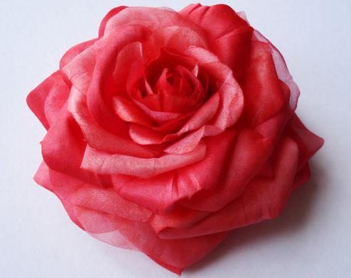 izgotovlenie-tcvetov-iz-tkani-svoimi-rukami-goriachim-sposobom-1 Подушки, колье и отделка трикотажа: цветы из ткани своими руками