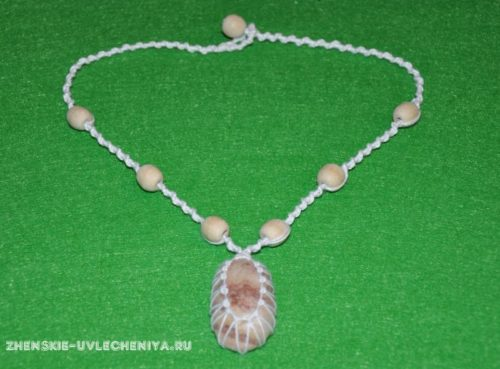 ожерелье макраме с морским камнем