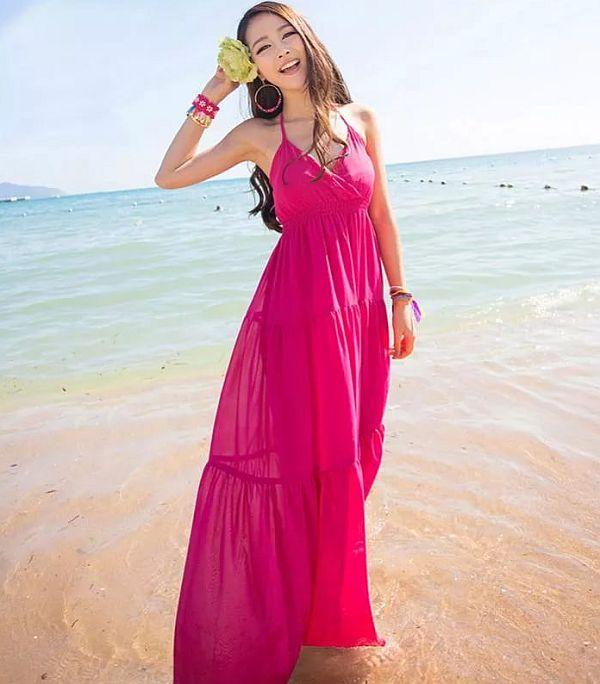 c90a5b7a58ab688 Пляжные сарафаны подходят практически всем. Исключение – очень полные руки.  Сарафаны в городском стиле универсальны и подойдут для похода на море или к  реке ...