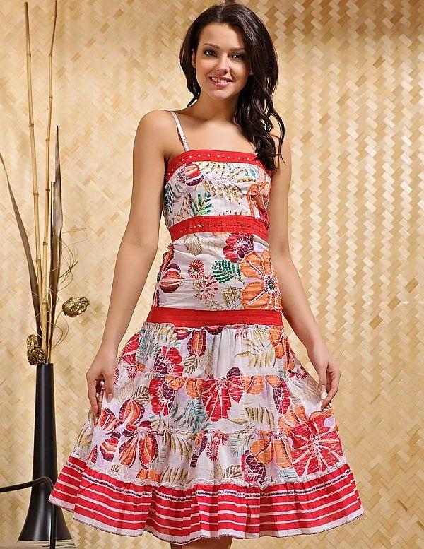 325d508189f01be Можно ограничиться сарафанами с открытой спиной, накидками или укороченными  платьями маечного типа. Красиво смотрятся платья-рубашки с застежкой на  одну ...
