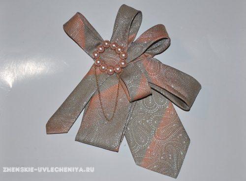 украшение из мужского галстука
