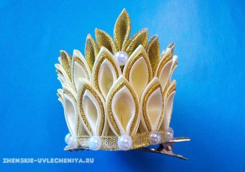 корона из атласных лент