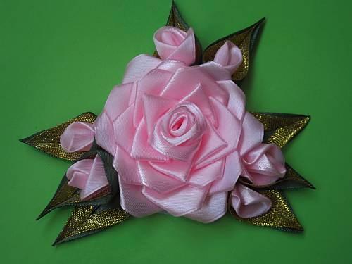 rozy-iz-atlasnykh-lent-svoimi-rukami-mater-class-50 Розы из лент
