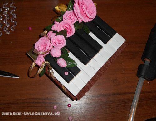 Рояль из конфет своими руками пошаговое фото