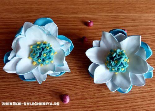 Резинки для волос с цветком из фоамирана и пластики