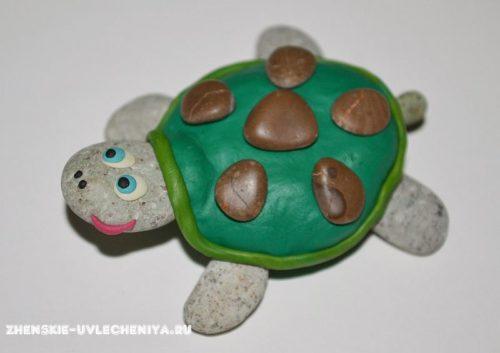 черепаха из гальки